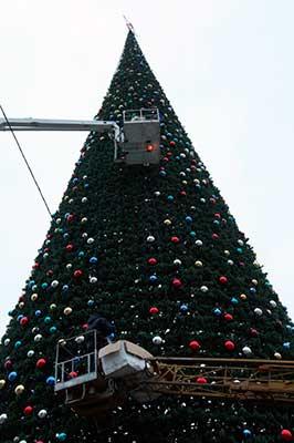 Новогодняя ель 2014-2015 в Грозном